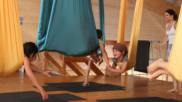 STAGE d'ETE YOGA KIDS & ACRO FLY