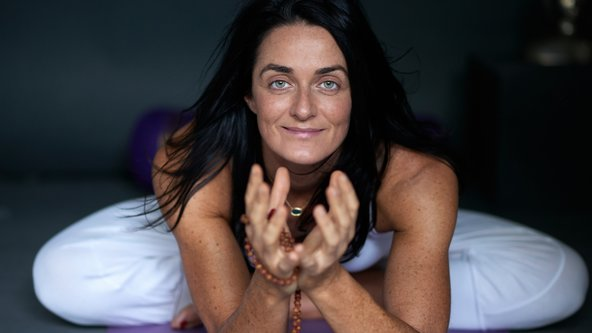Yogaroma Online with Lara ~ Scaravelli Inspired Yoga ~ Virtual Practice